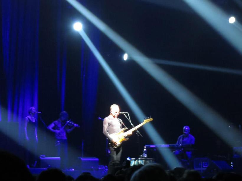 Sting on stage2