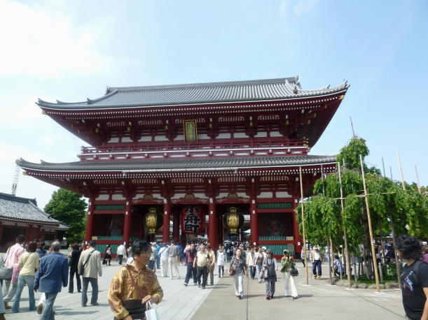 P1020990 Asakusa temple1