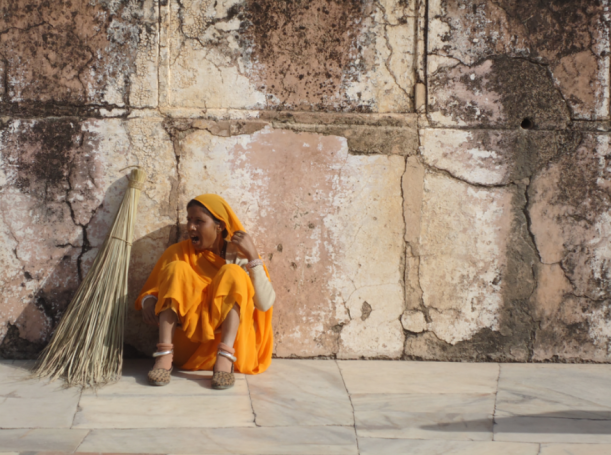Agra - tukang sapu istana