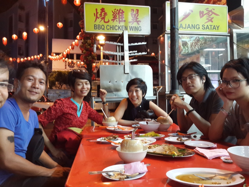 Lin, me, Waraluck, Nova Goh, Anh Xuan on a 3 am breakfast when all food would taste amazing. These guys gave me the idea of a Mekong trip next year.