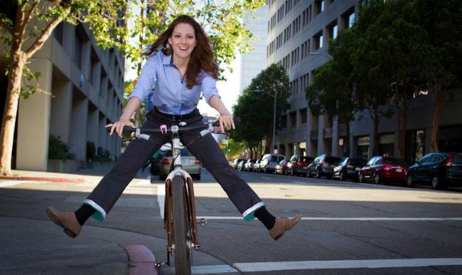 Rutin bersepeda ke kampus atau tempat kerja juga terhitung olah raga lho!