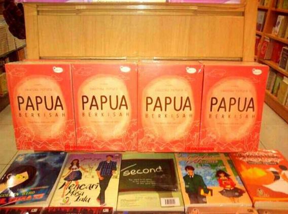 foto Papua Berkisah di toko