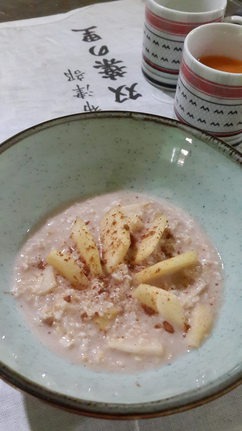 bubur oatmeal apple cinnamon